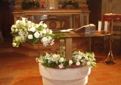 allestimento-chiesa-con-fiori-modena